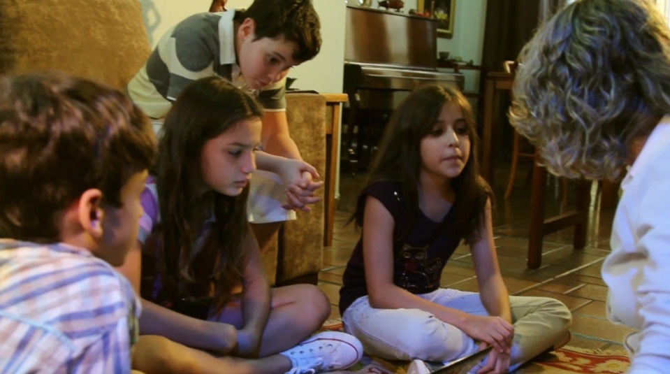 Video #1  Peligro en la Red para niños  – Rompiendo el Silencio 2013