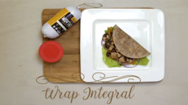 Wrap integral com mortadela vegetariana