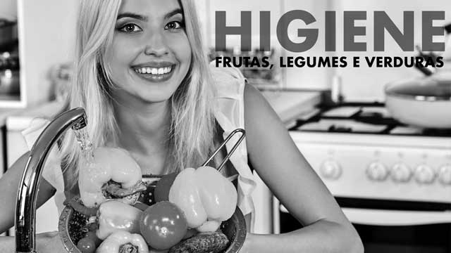 thumbnail - Lavando frutas, legumes e verduras