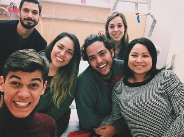 Foto tirada no hospital - Bruno, Richard, Lilian, Rogerio, Karin e Rafaela.