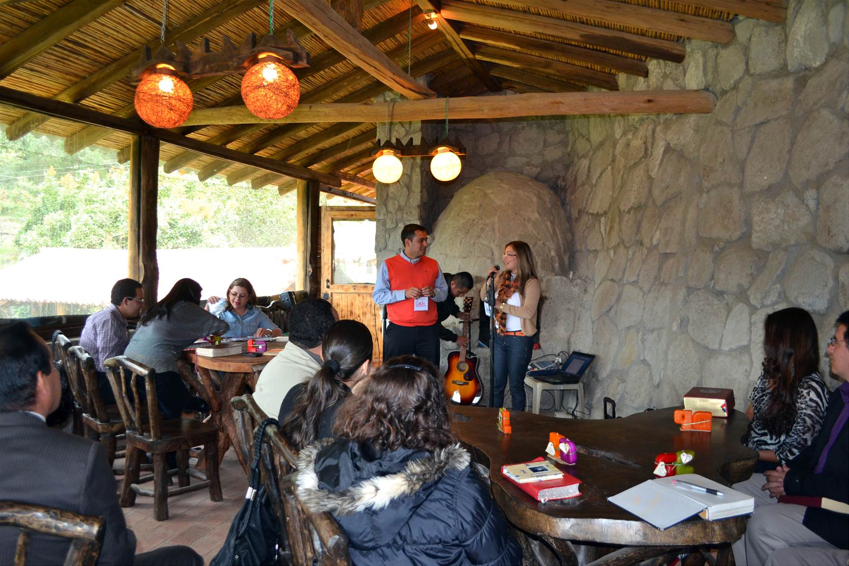 Temas de Familia y Grupos Pequeños son aplicados como estrategia en la plantación de nueva iglesia en Cuenca