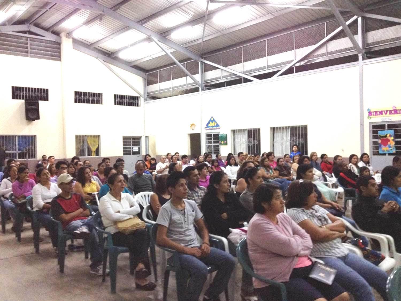 Escuela para padres en Galálapos, Ecuador