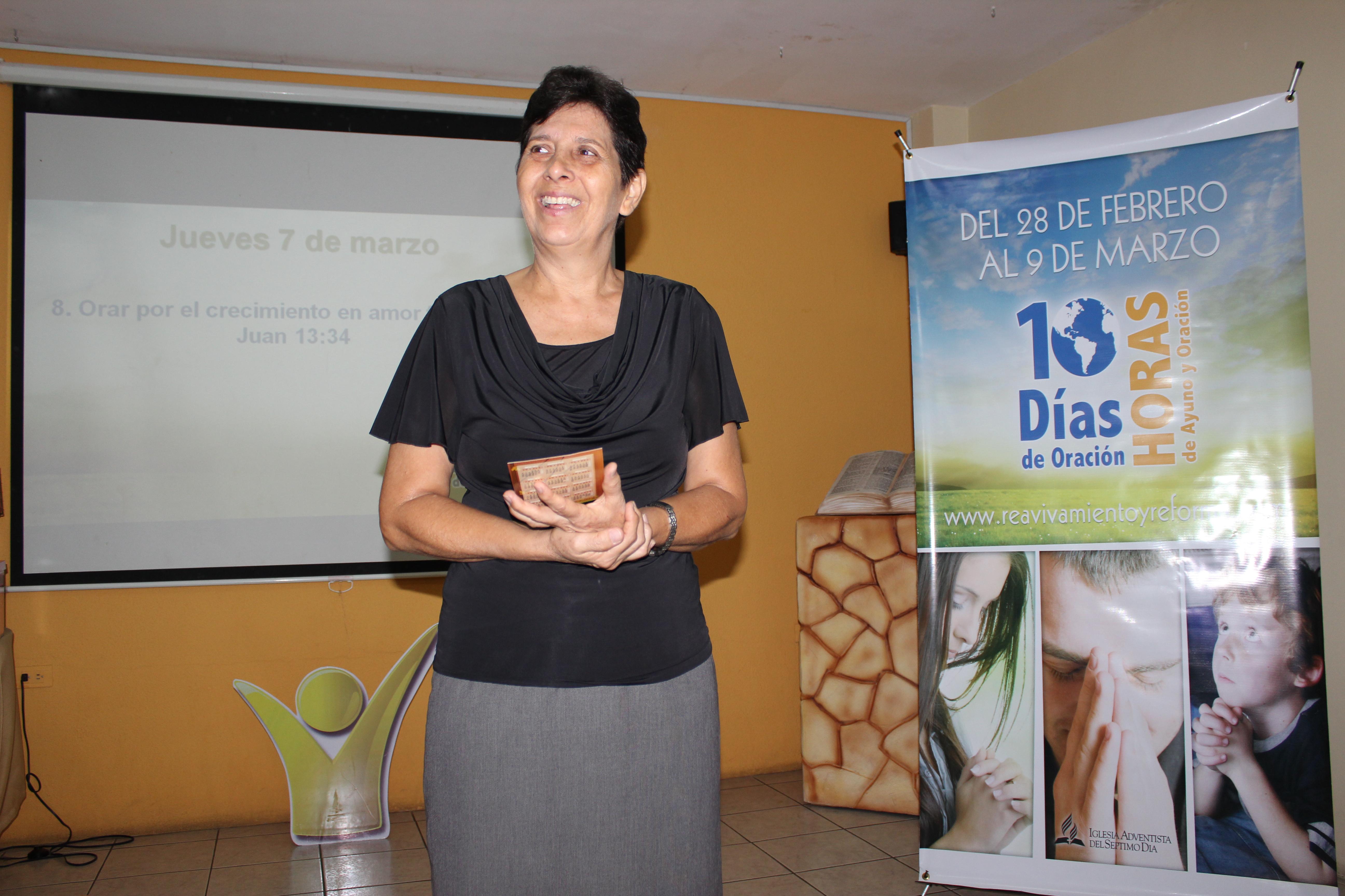 Flor de Sandoval, lideresa del Ministerio de la Mujer en la Misión Ecuatoriana del Sur