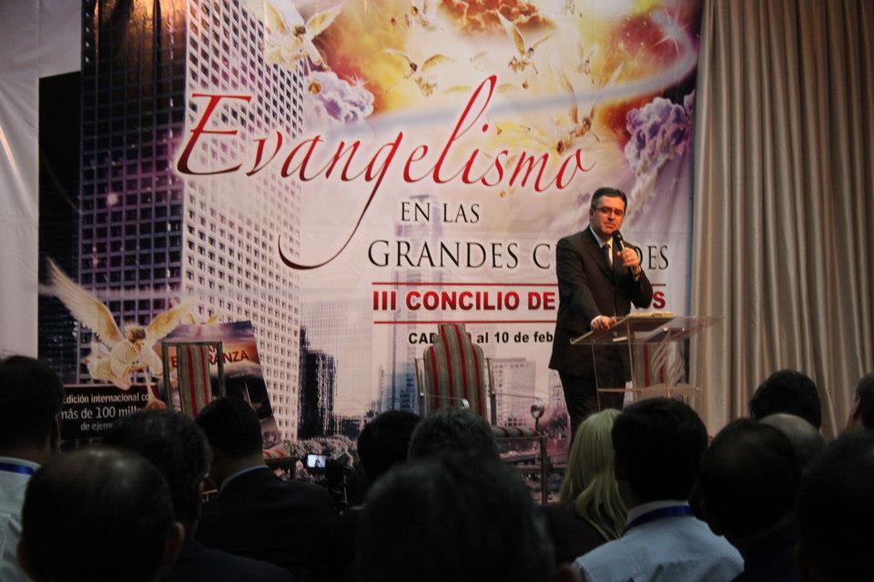 Líder sudamericano adventista en el concilio de ancianos de la Unión Paraguaya