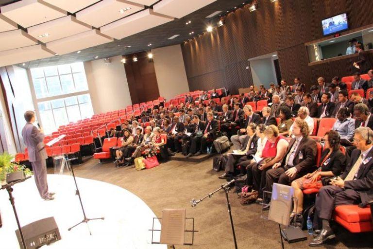 Secretarios de Sudamérica y de las 13 divisiones de la iglesia en el mundo, en el 1 Encuentro del departamento.