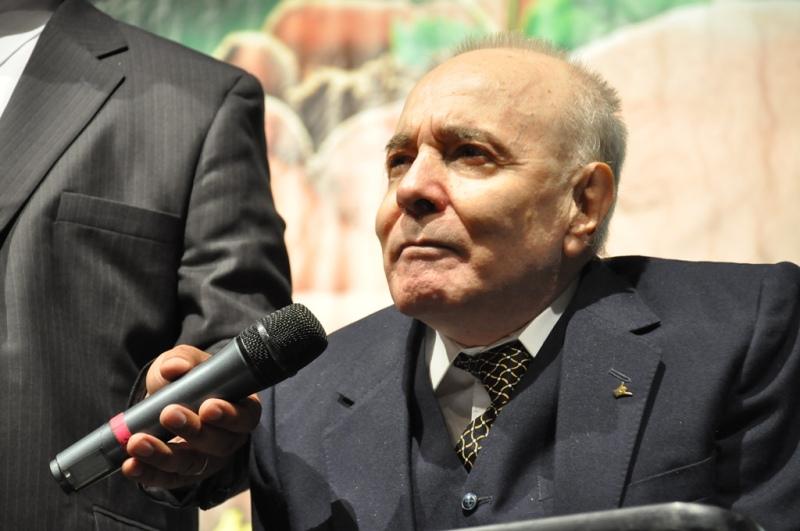Arturo, el hombre parapléjico que llega a miles de personas en Argentina por el Canal Nuevo Tiempo.