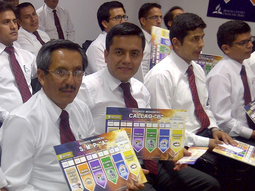 Pastores se comprometen con las 6 Metas de la Iglesia Adventista en el Peru