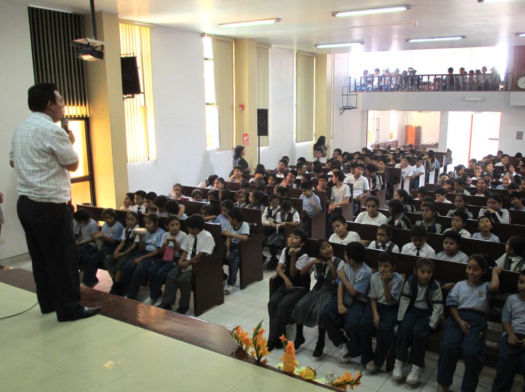 Alumnos de Colegios Adventistas comprometidos con Semana Santa2