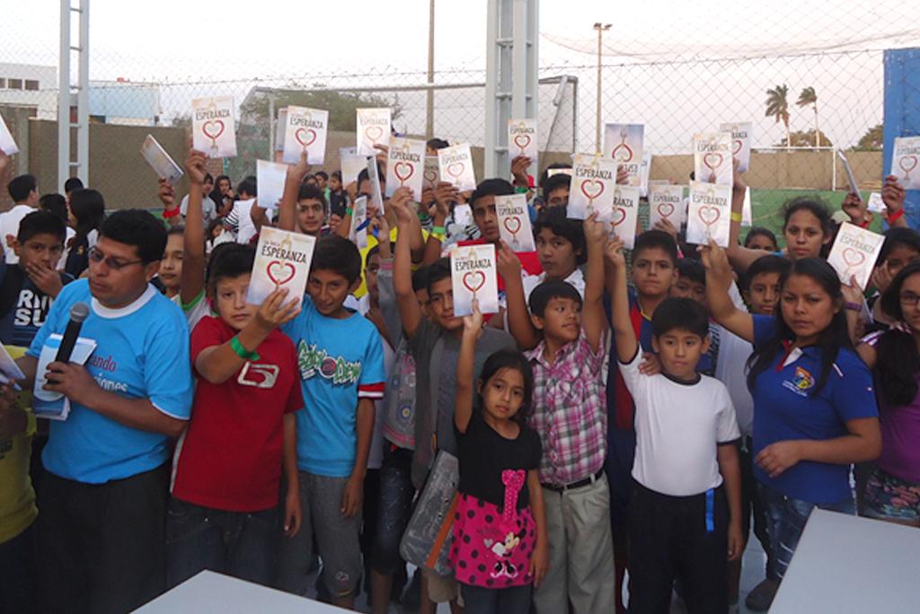 Proyecto Amigos de Esperanza se realizó en colegios adventistas
