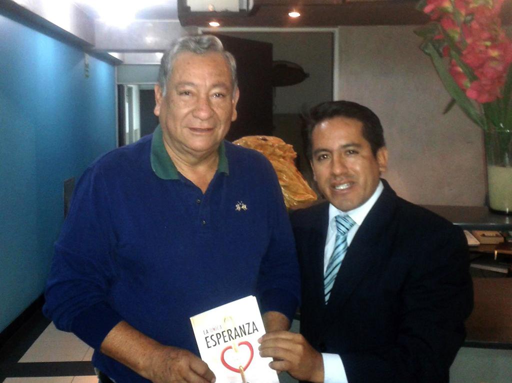 Alcalde recibe La Única Esperanza y apoyará en construcción de templo adventista