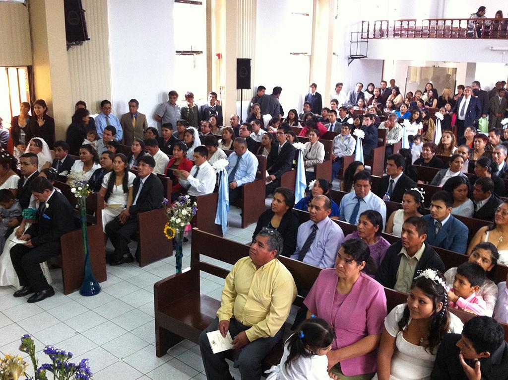 31 parejas dieron el sí en matrimonio masivo realizado por la Iglesia Adventista en Perú2