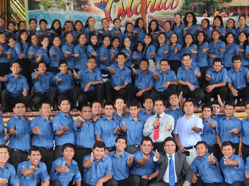 """Docentes adventistas reciben reconocimiento por su labor en el """"Día del Maestro"""""""