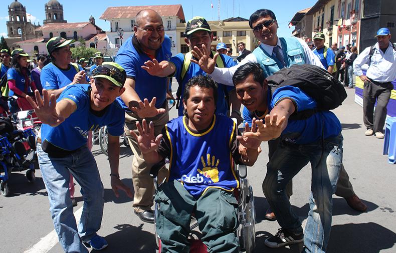 54 familias fueron beneficiadas con donación de equipos biomecánicos en Cajamarca2