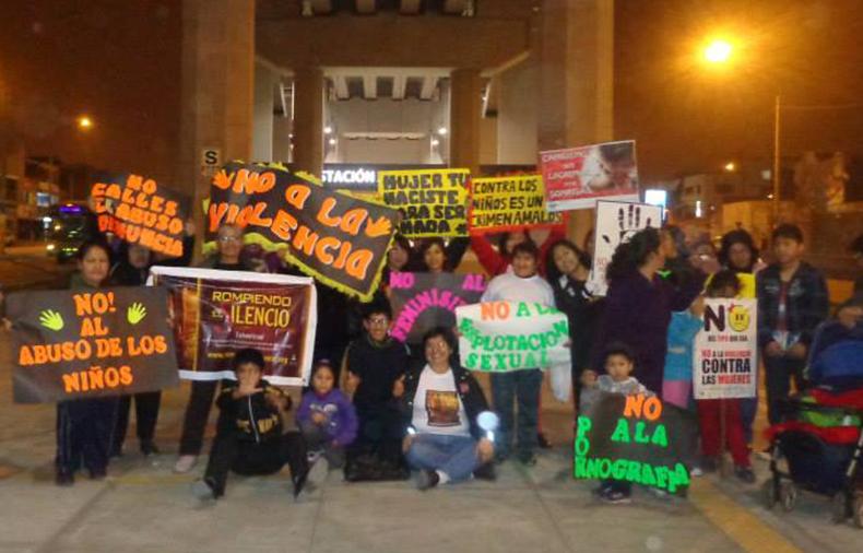 Marcha nocturna contra el turismo sexual en las principales avenidas de Lima