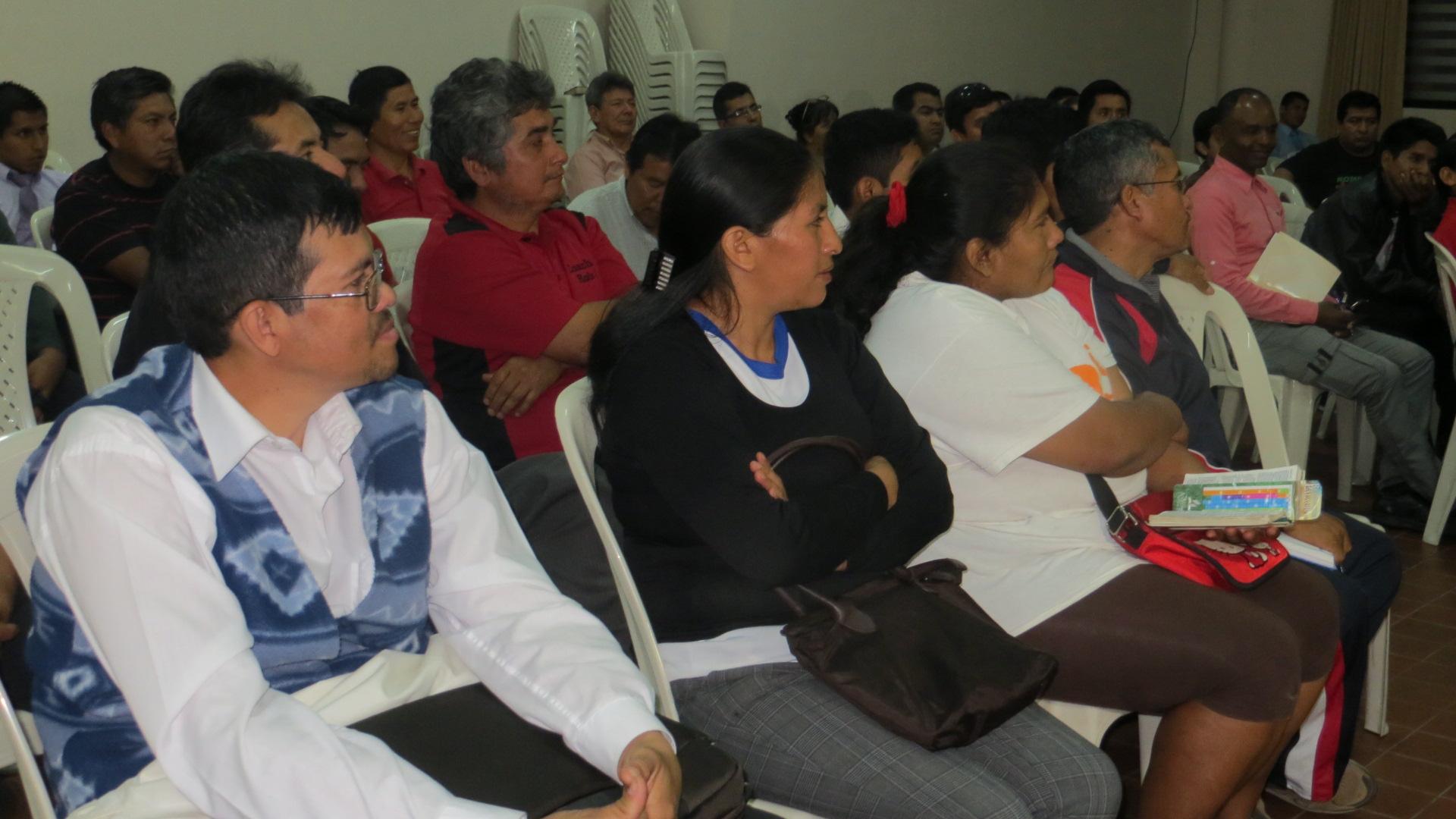 Evangelistas Voluntarios en el colegio Elena de White
