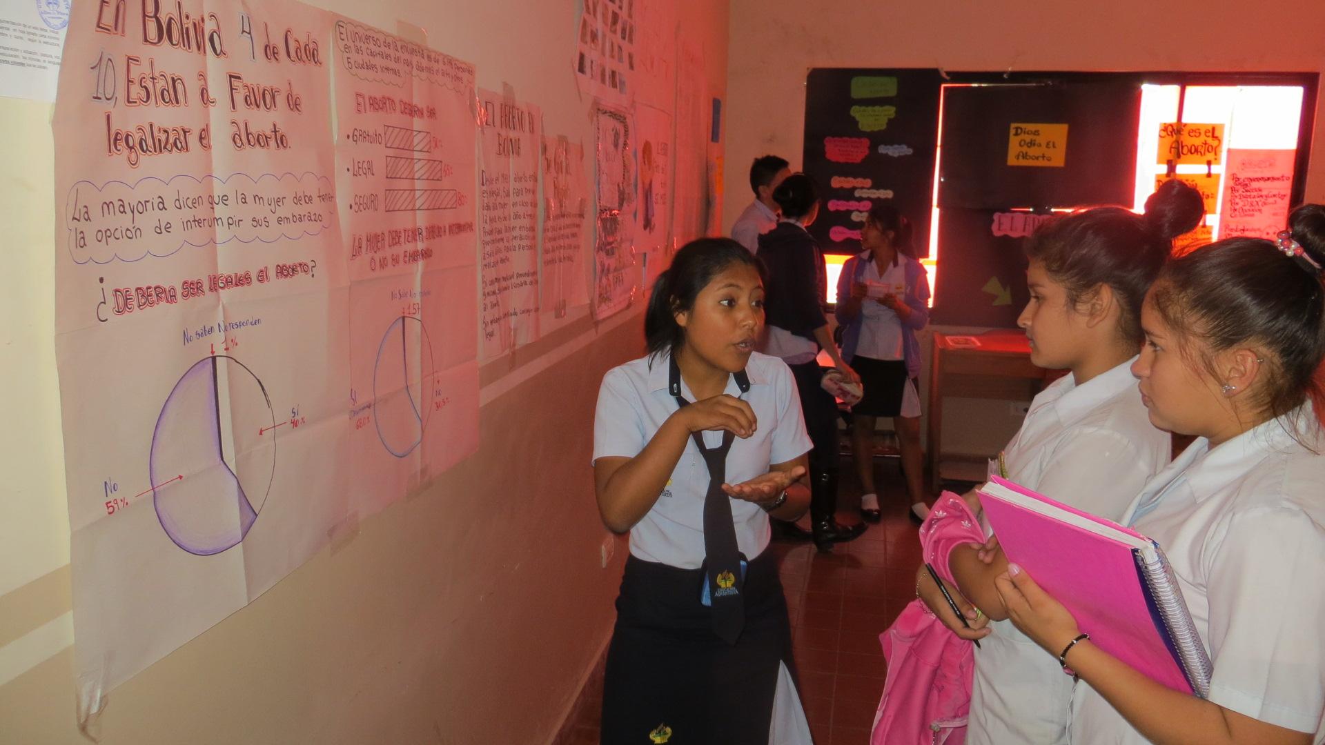 Estudiantes del colegio Adventista Elena White