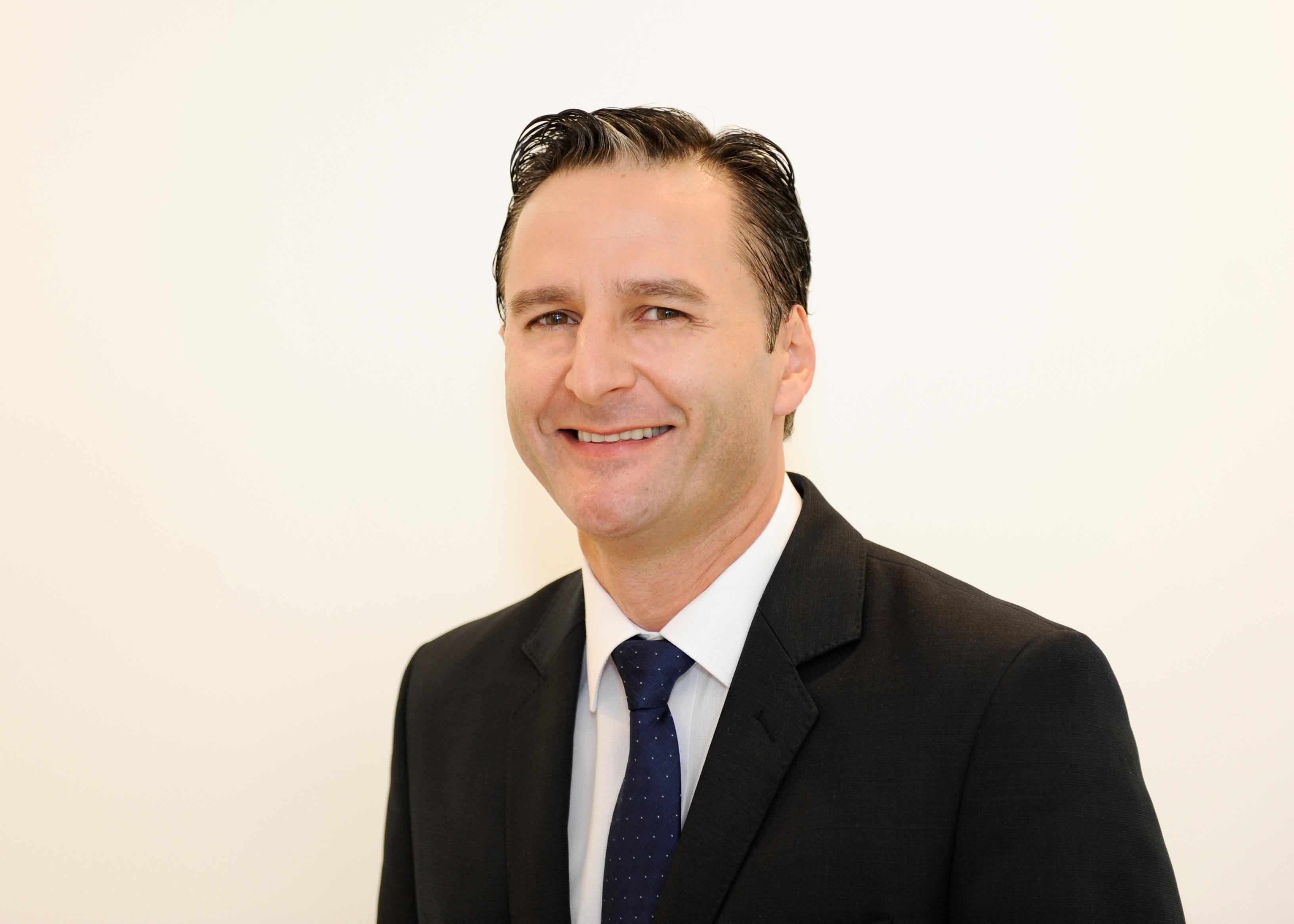 Nombrado nuevo director asociado de la Red de Educación Adventista  Noticias