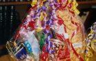 100 familias son beneficiadas con canastas de víveres