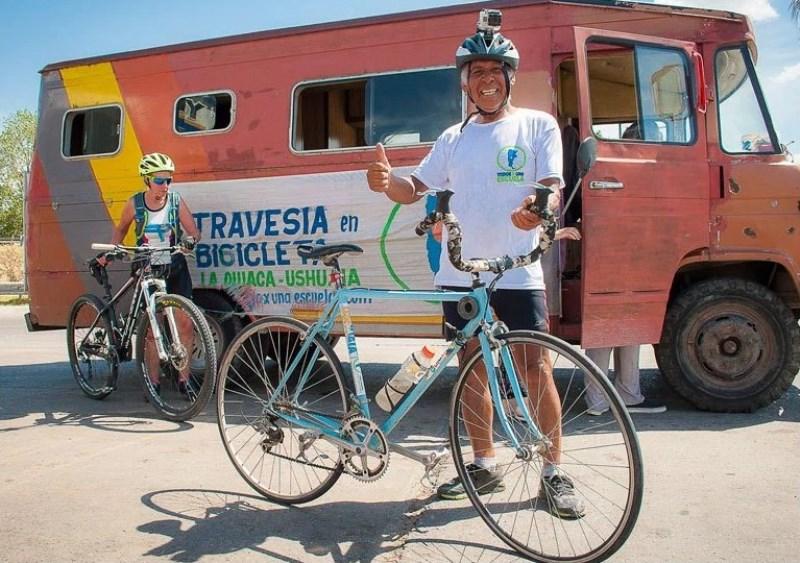 Con el sueño de construir una escuela, recorre más de 2.000 kilómetros en bicicleta  Noticias
