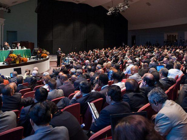 Decisión de los delegados, cada cinco años, lleva a los delegados a hacer algún cambio en el Manual de Iglesia.