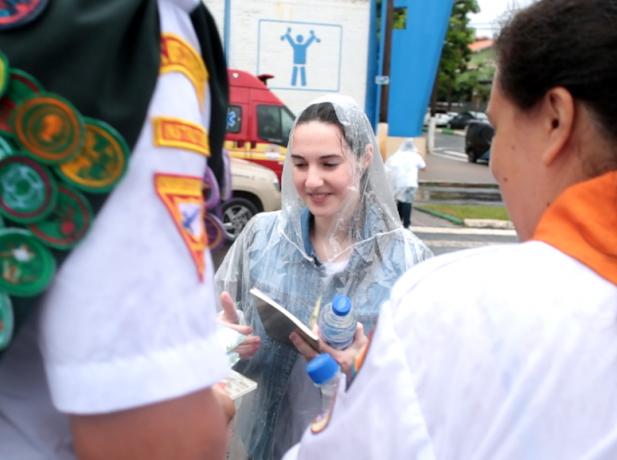 A pesar de la lluvia los voluntarios compartieron esperanza.
