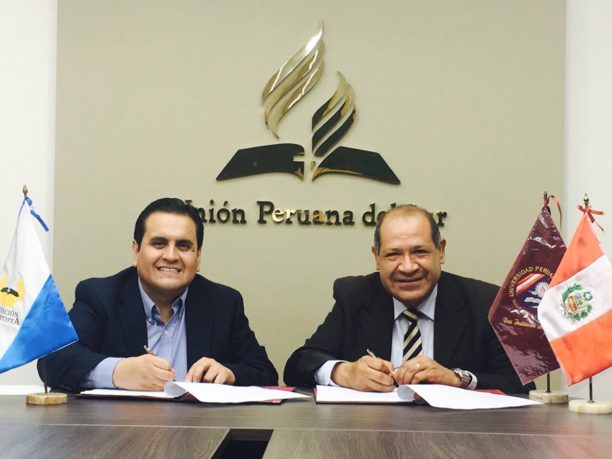 Iglesia adventista para el sur del Perú y Universidad Peruana Unión firmaron convenio.