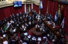 Líderes políticos de Argentina reciben materiales adventistas