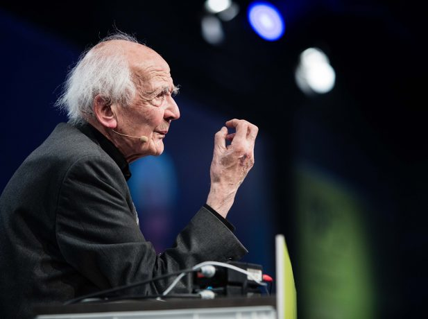 Zygmunt Bauman spricht auf der re:publica 2015 am 07.05.2015 in Berlin. Copyright: re:publica/Jan Zappner