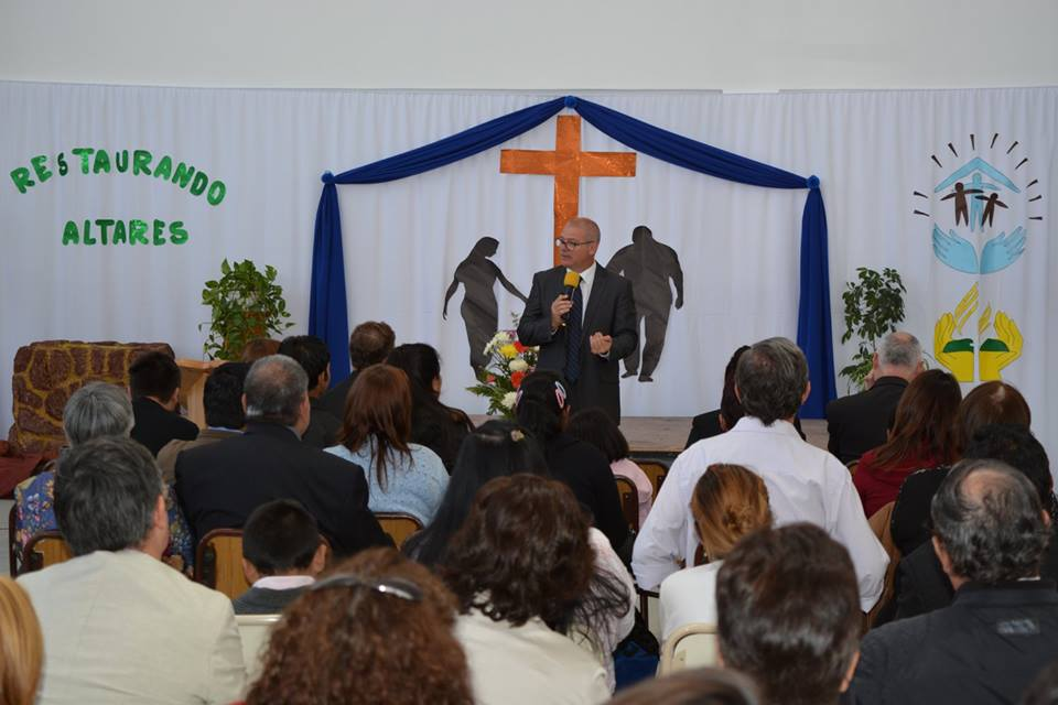 Restaurando Altares en Comodoro Rivadavia Argentina