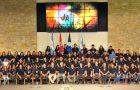 Jóvenes dejan todo para servir como voluntarios durante un año