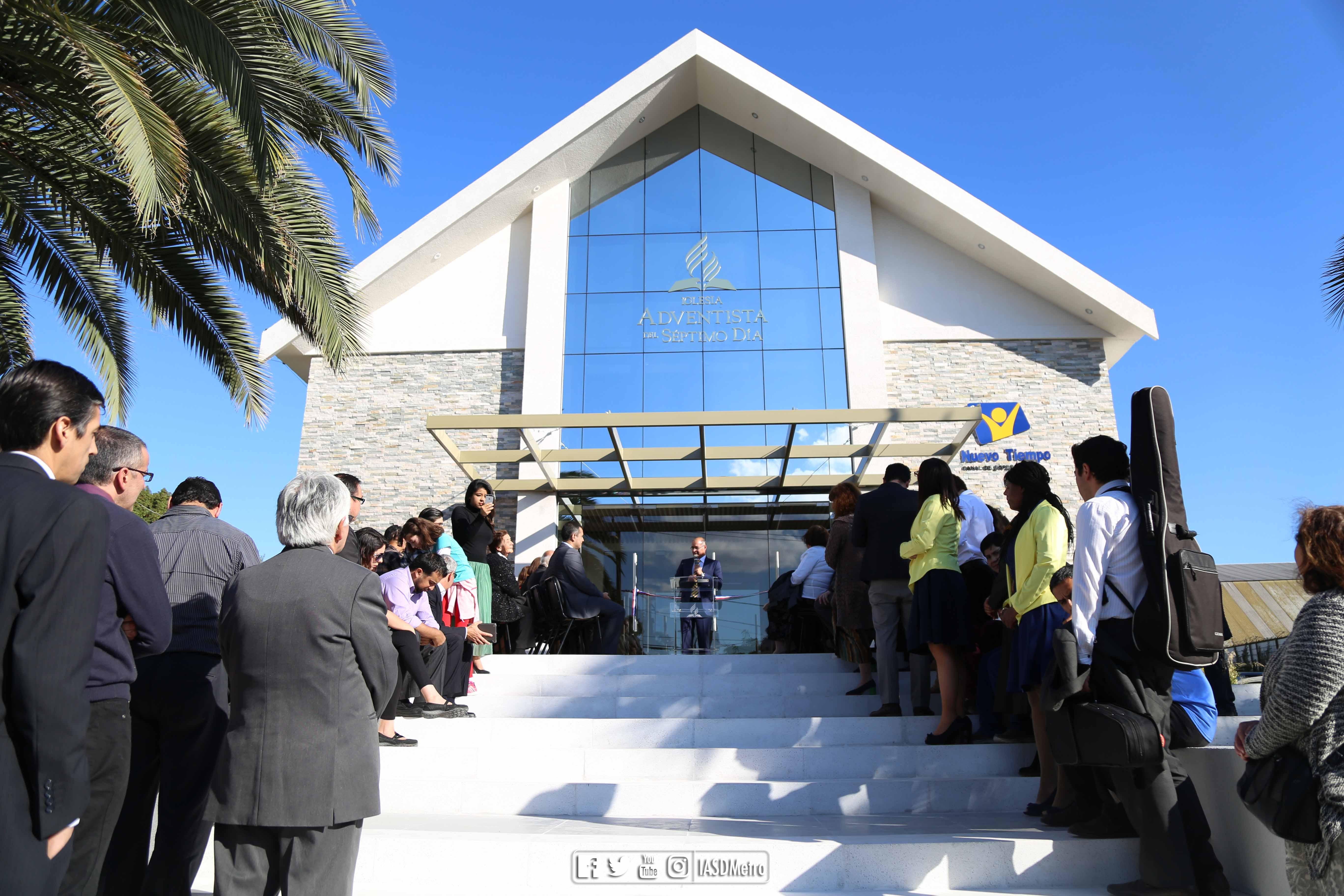 Inauguración de la nueva fachada de la iglesia Adventista en Maipú