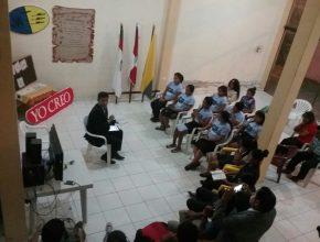 Jóvenes reunidos en la Semana de Oración