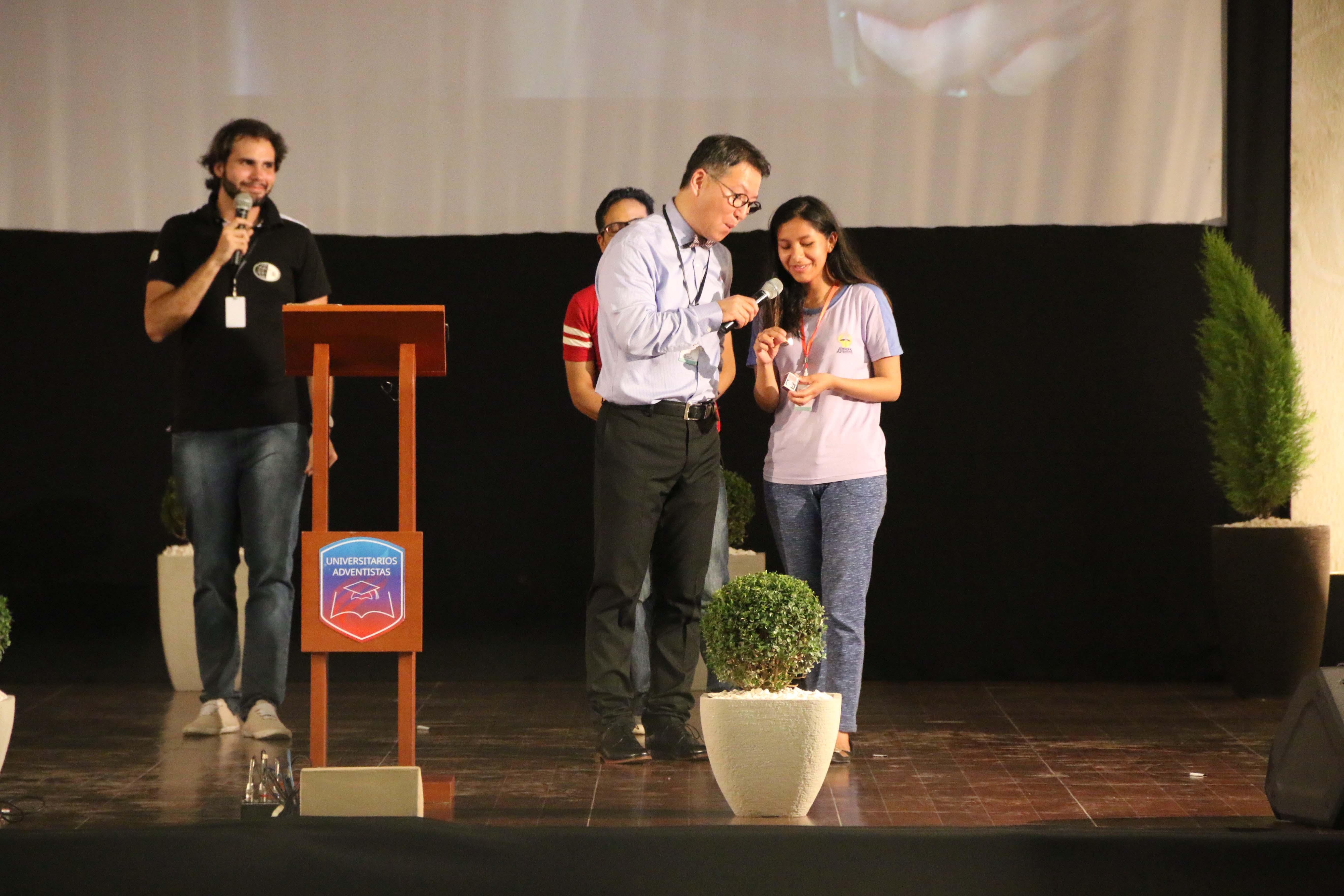 Pr. Jiwan Mood en el II Congreso de Universitarios UB