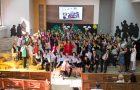 """Decenas de estudiantes se gradúan de """"Espacio Nuevo Tiempo"""" en Chile"""
