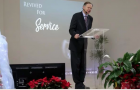 Mark Finley predica a Cristo, la solución para el reavivamiento espiritual