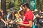 Jóvenes adventistas distribuyen libros misioneros en visita del Papa a Chile