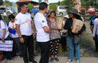 Jóvenes Adventistas celebran su día distribuyendo pan y agua