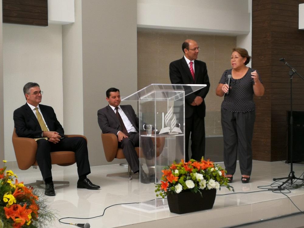Silvia en la inauguración del templo La Esperanza