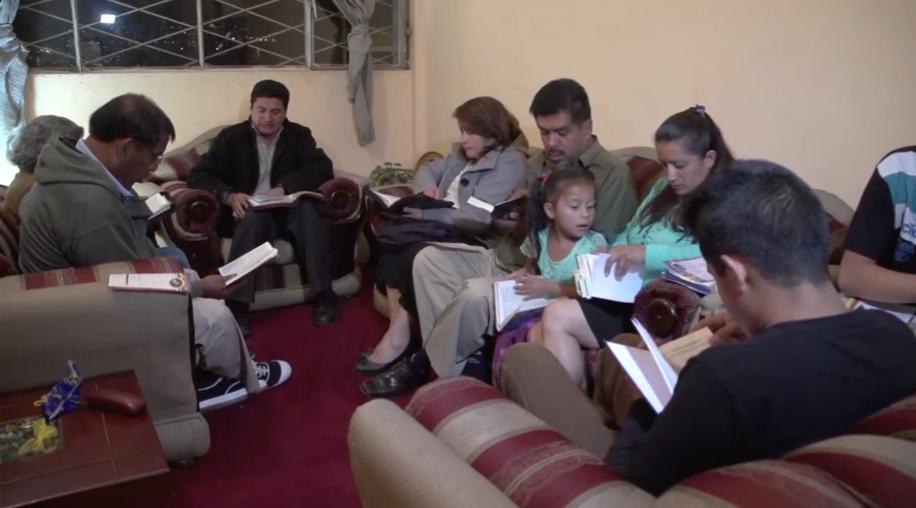 Extranjeros acortan distancias para conocer la realidad sudamericana  Noticias