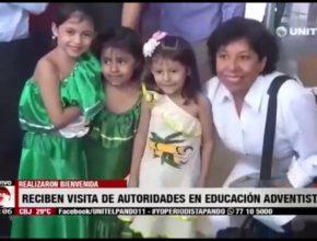Medios de comunicación recibiendo a autoridades de la Educación Adventista en Bolivia