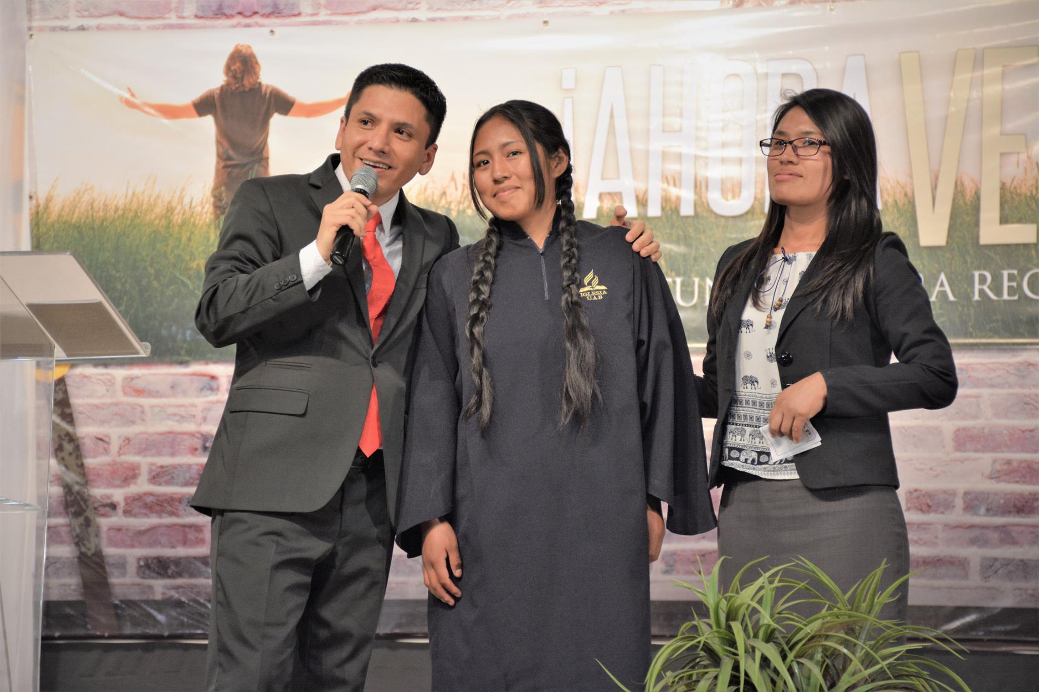 Maribel a punto de ser bautizada en Cochabamba (Foto: MCB)