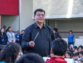 Arturo Robles Docente de la UNACh y Director del Conjuntos Instrumental
