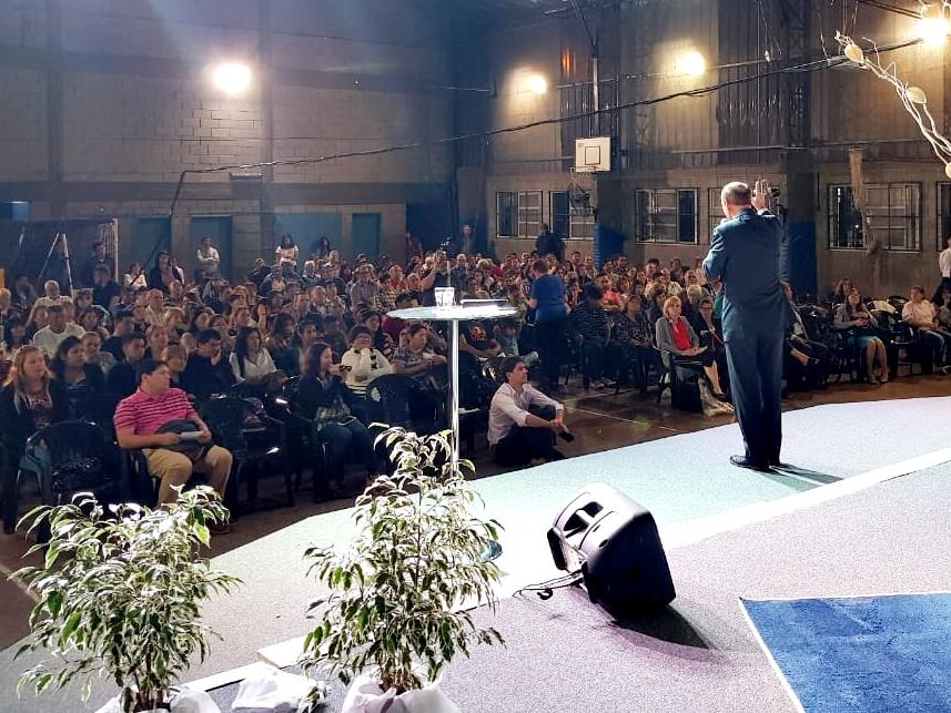 Evangelismo con el pastor Robert Costa en Buenos Aires