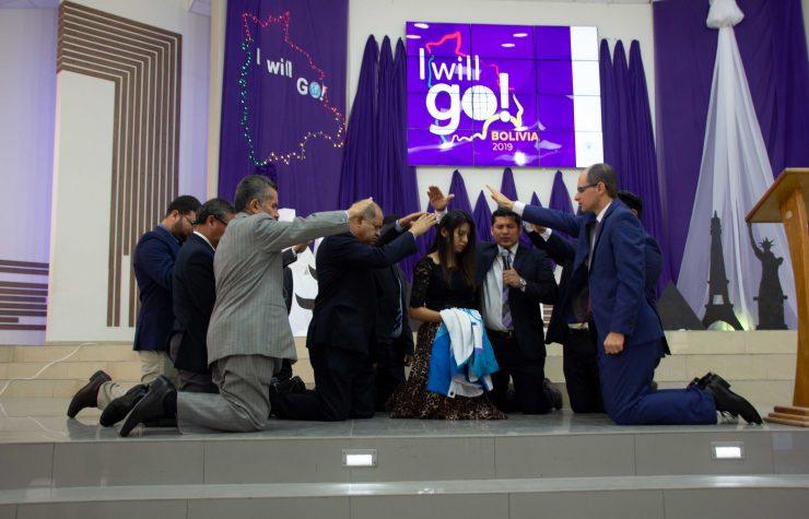 Se realiza la primera versión de I Will Go en Bolivia