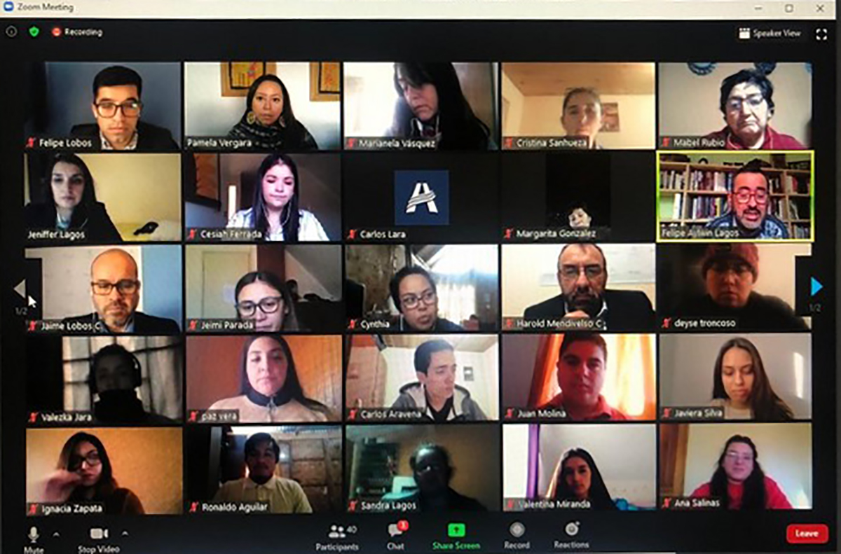 Destaque del portal donde muestra las integrantes Jefas de Hogar en su capacitación con la Universidad Adventista de Chile. (Foto: Chillan online)