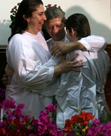 Igreja comemora batismos em Santa Catarina.