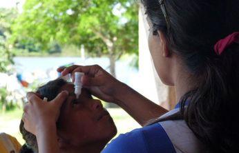 Atendimento oftalmológico para os ribeirinhos.