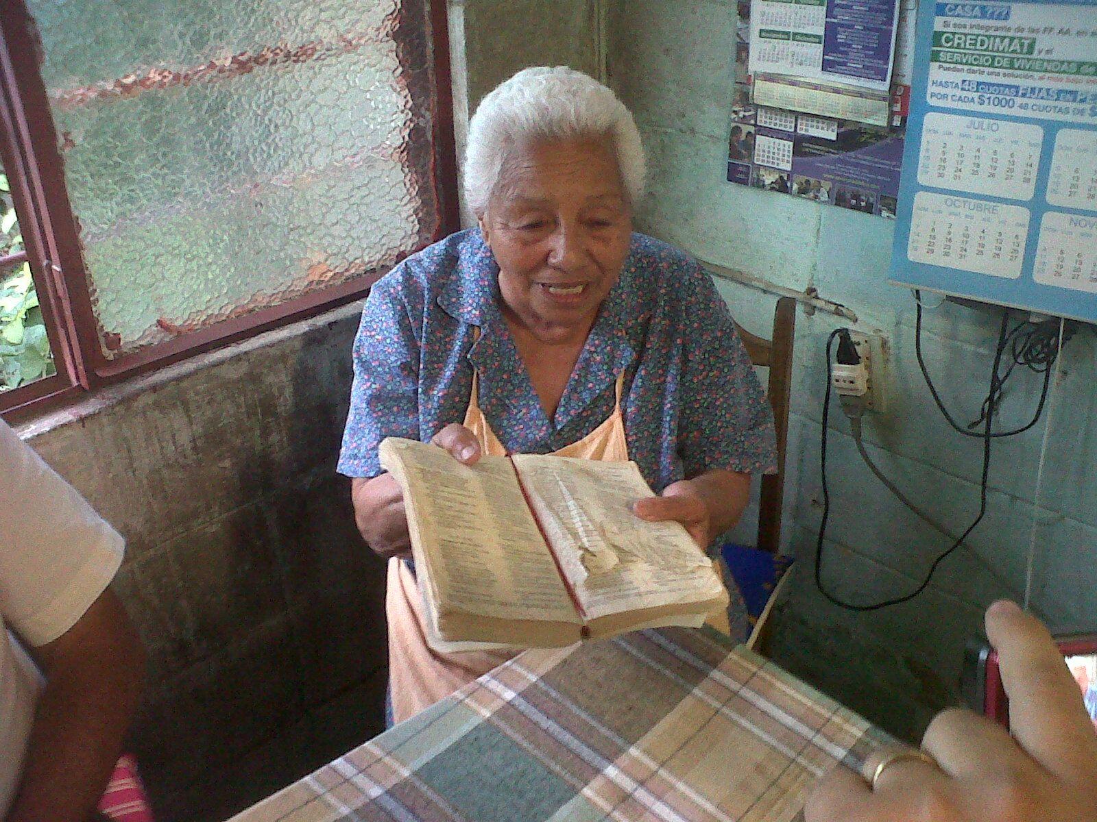 Ilma e a velha Bíblia que foi decisiva em sua vida