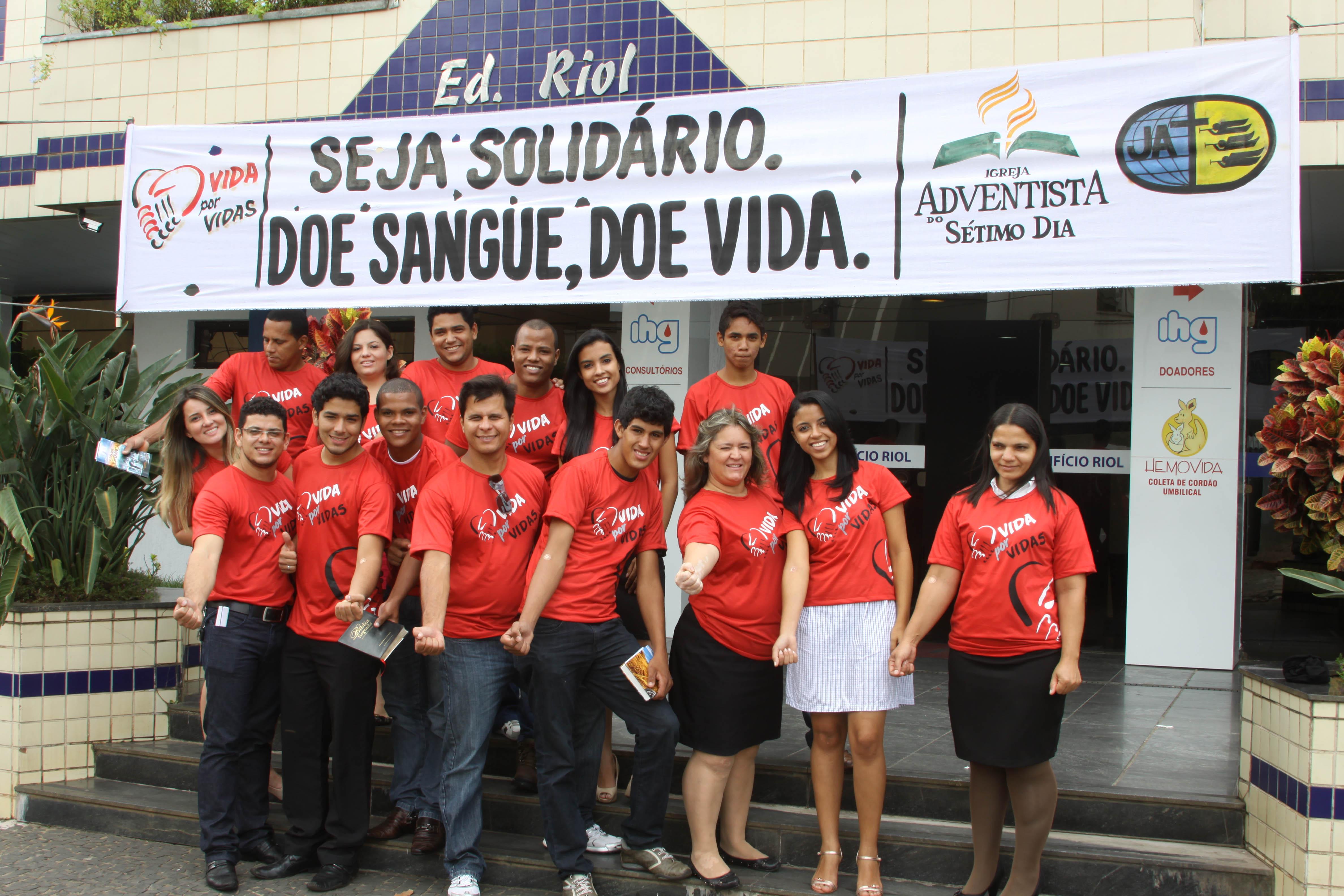 Projeto Vida por Vidas leva juventude adventista para doação de sangue.