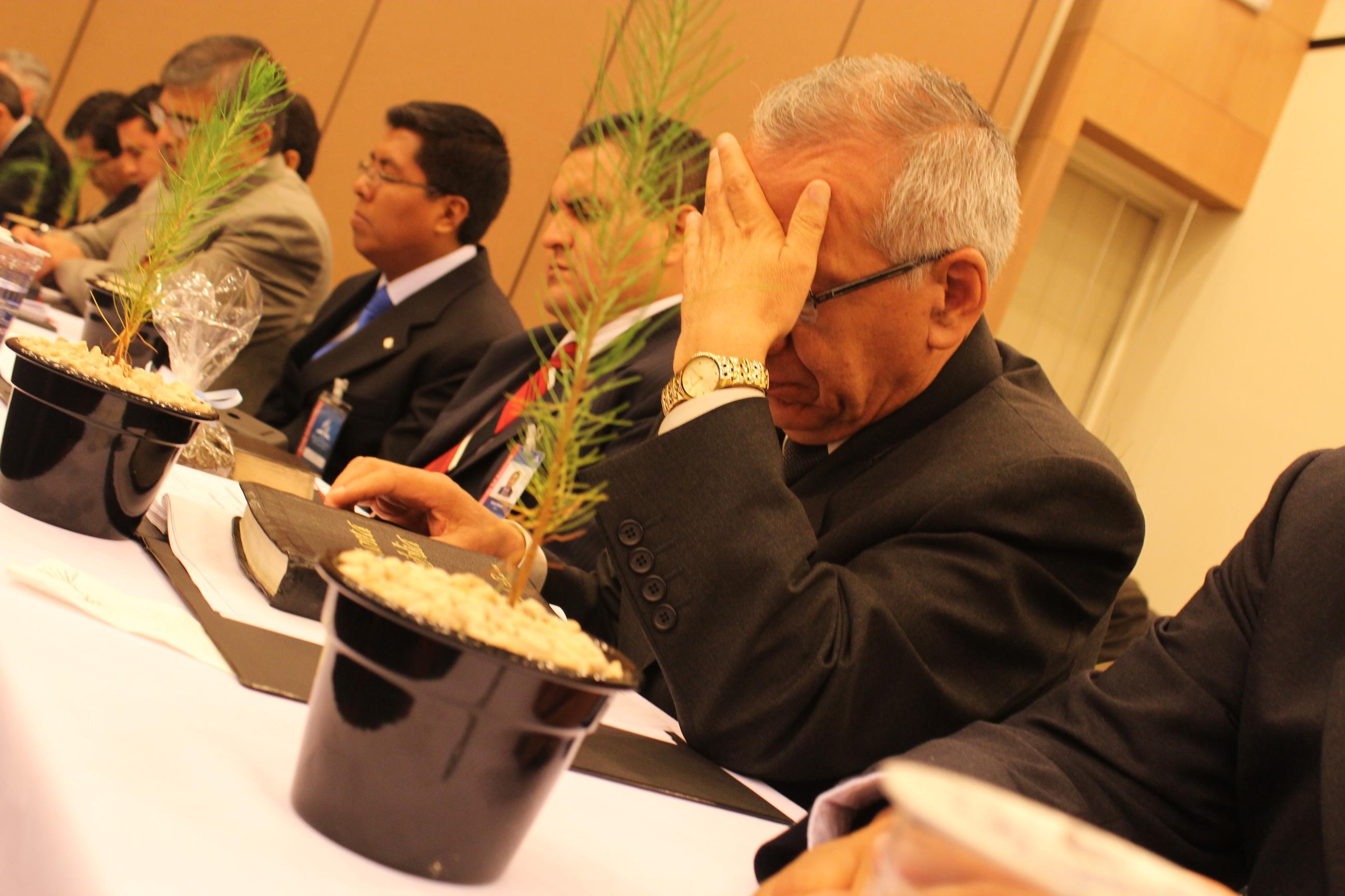 Pastores oraram diante do desafio de cultivarem as novas